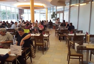 Étkezés a Balneo Hotel Zsori éttermében